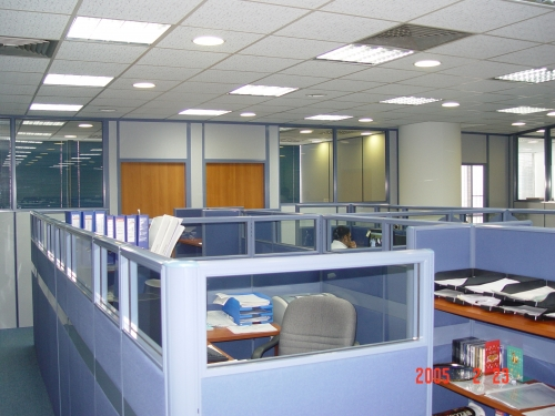manager workstation with free area